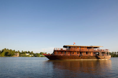 [image] 100 years later, the Bassac II on Cổ Chiên river