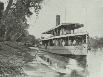 [image] The Colombert, a 105 tons steamer, in Laos; in: Excursions aux temples d'Angkor; livret du passager; Messageries Fluviales de Cochinchine