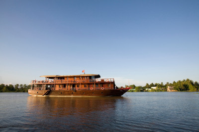 [image] Bassac II on river Mang Thit in the heart of the Mekong delta