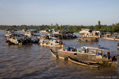 [picture] Floating market at Trà Ôn, early morning